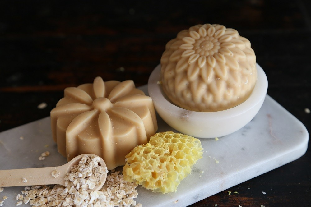 HONEY AND OAT OLIVE OIL SOAP