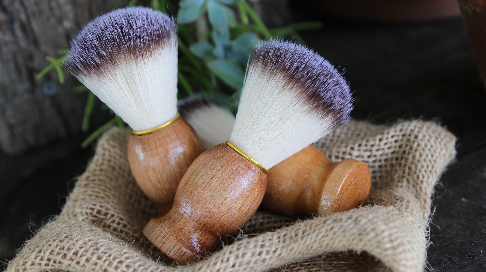 BADGER HAIR NYLON SHAVE BRUSHES