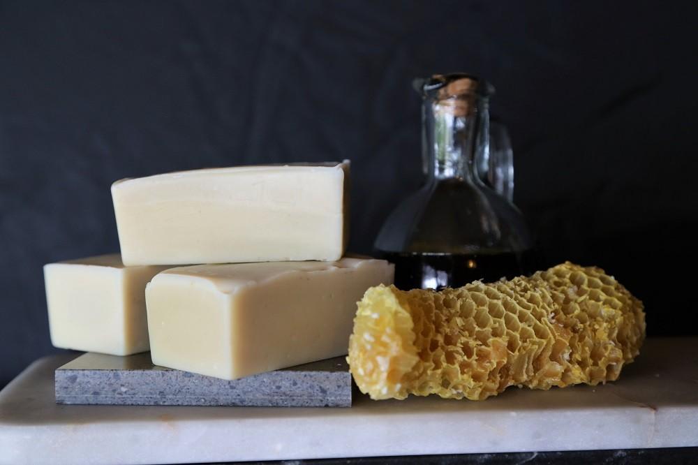 Hemp & Honey Shampoo Bar
